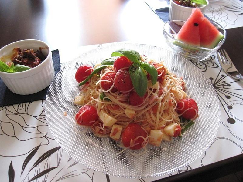 トマトマリネの冷製パスタ