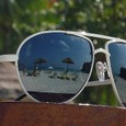 19 Phuket サングラスとビーチ
